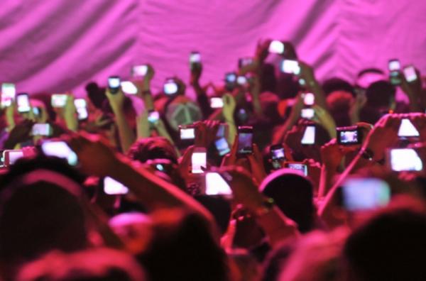 Número de celulares no Brasil chega a 217,3 milhões